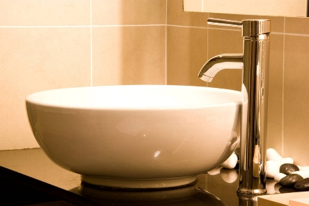 Spotless washbasin and tap